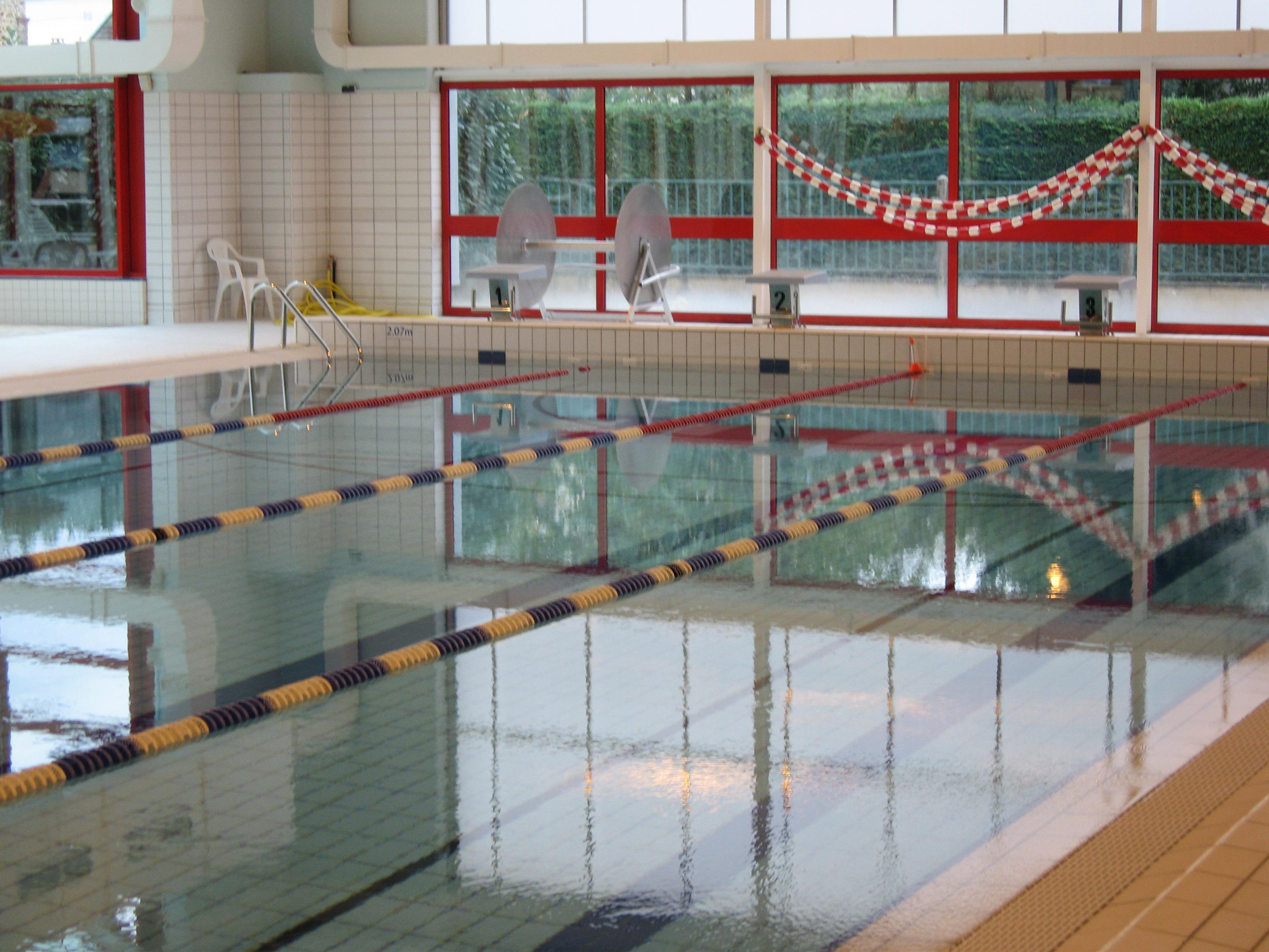 Travaux de la piscine de fontenay tr signy for Travaux piscine